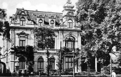 Gesellschaftshaus an der Mülheimer Straße (Straßenansicht)